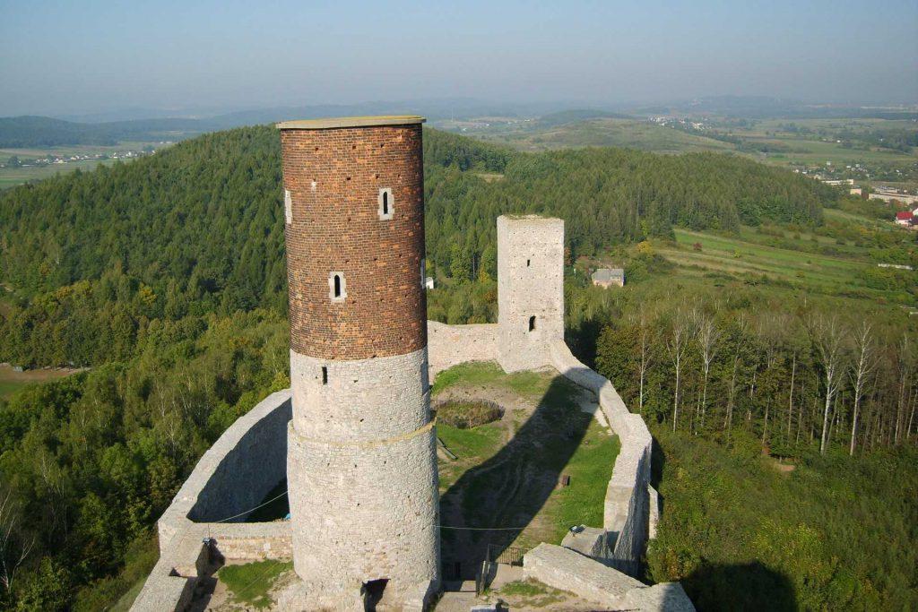 Góry Świętokrzyskie - ruiny zamku w Chęcinach