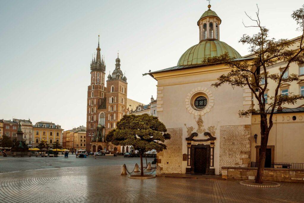 kraków na weekend - Kościół św. Wojciecha na Rynku Głównym w Krakowie