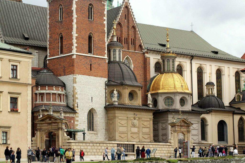 kraków na weekend - Kaplice przylegające do Katedry na Wawelu