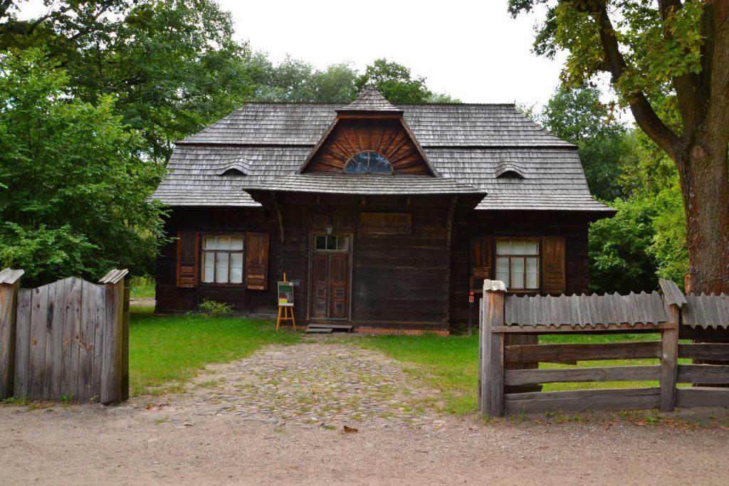 Muzeum Wsi Radomskiej - dom ludowy z Jedlni-Poświętnego