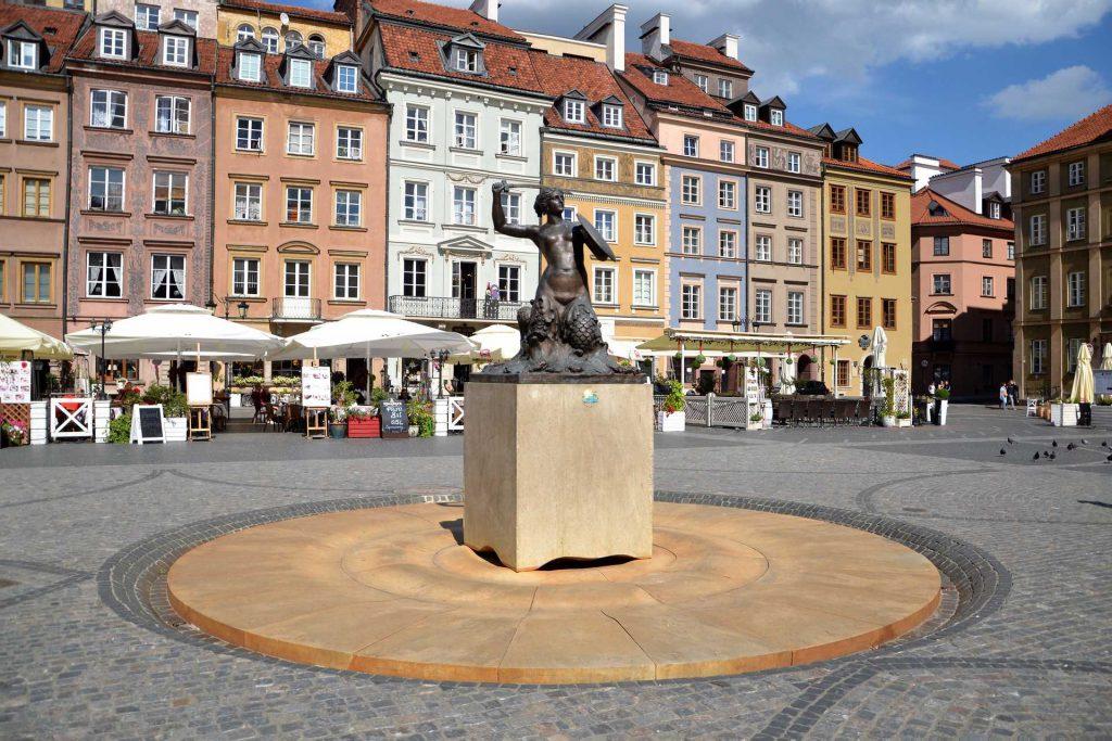 Stare Miasto w Warszawie - pomnik Syrenki
